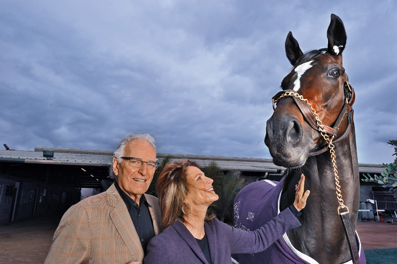 Zenyatta with owners.